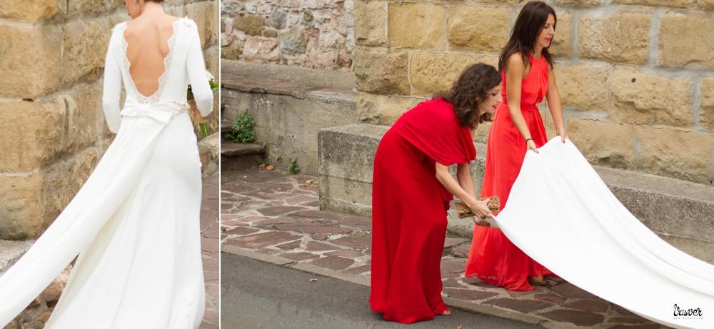 Talento Donostiarra - Vasver Fotografía - Colocando vestido de novia