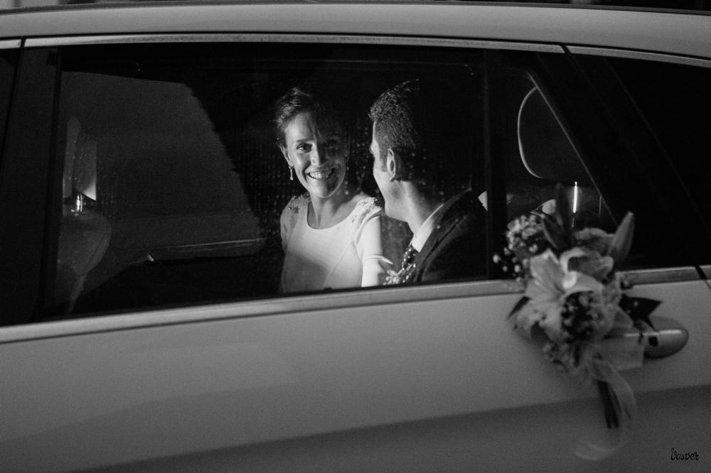 Talento Donostiarra - Vasver Fotografía -novios en el coche