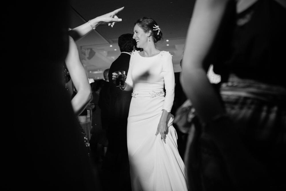 Talento Donostiarra - Vasver Fotografía - novia bailando